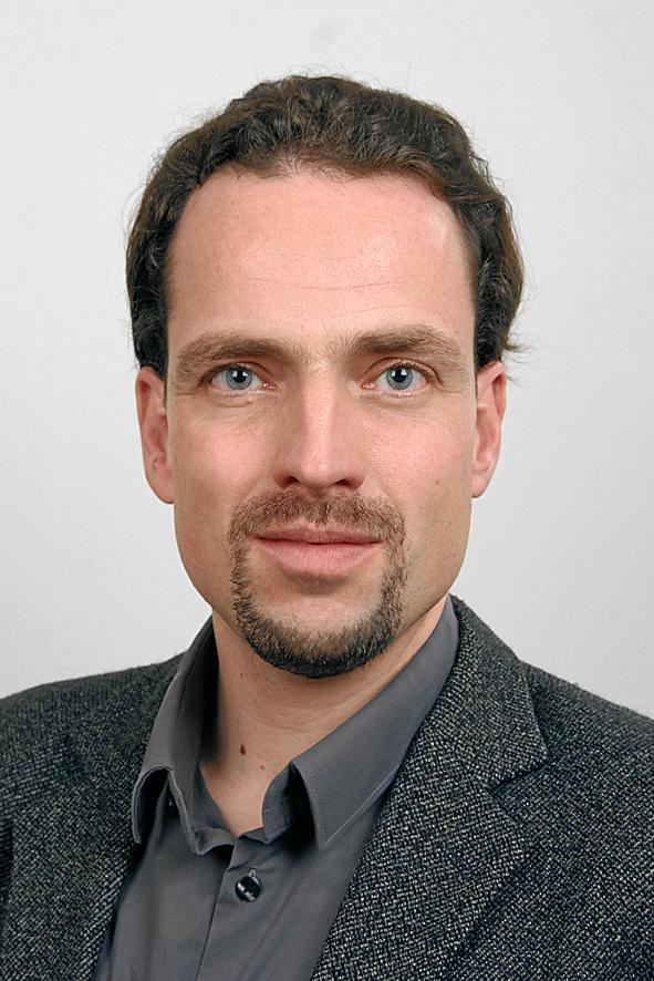 Dr. Konrad Schmidt